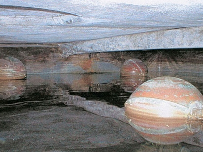 Image of water storage tank interior and floats used on the Replace or Refurbish a Want Tank page.